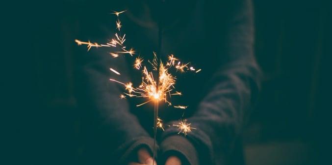 girl_holding_firework.jpg