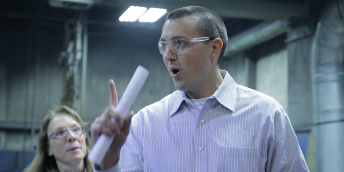 Manufacturing Company Uses Ving for Quality Control and Job Specific Instruction