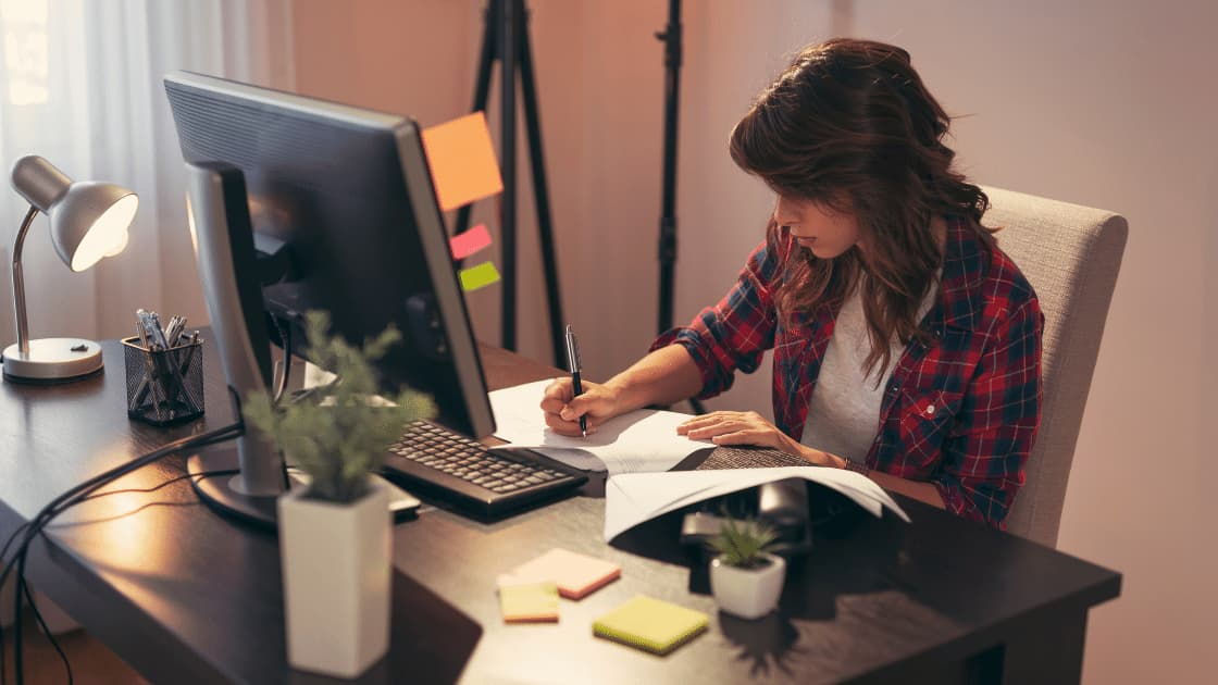 3 Actionable Tips On Making Your Home Office Comfortable & Productive